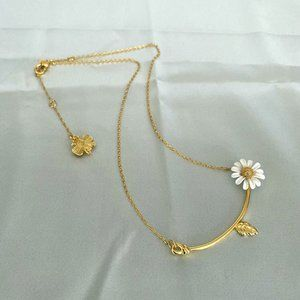 Tory Burch Fresh Daisy Flower Necklace